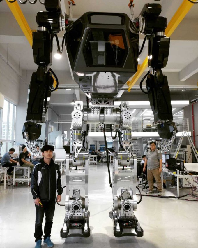 method-1-korea-future-technology-robot-9-680x850