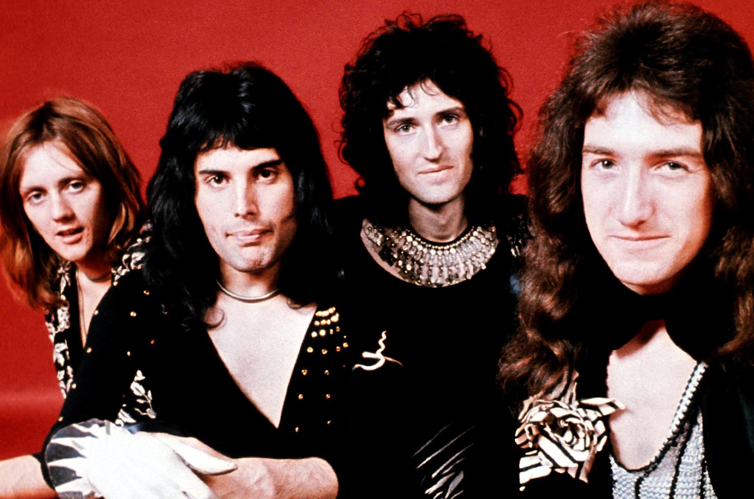 Queen-portrait-1971-billboard-1548