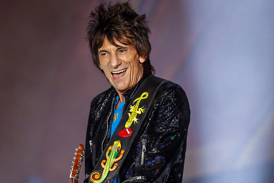 INDIANAPOLIS, IN - JUL 04: Ronnie Wood of the Rolling Stones performs at the Indianapolis Motor Speedway on July 4, 2015 in Indianapolis, Indiana. (Photo by Michael Hickey/Getty Images)